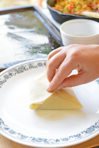 how to roll a spring roll step 5
