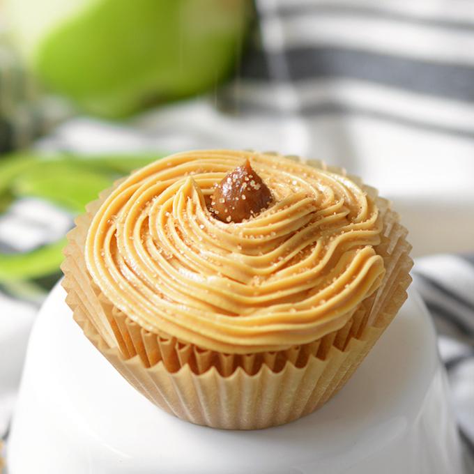 Apple Cinnamon Dulce de Leche Cupcakes – 3rd Blogiversary