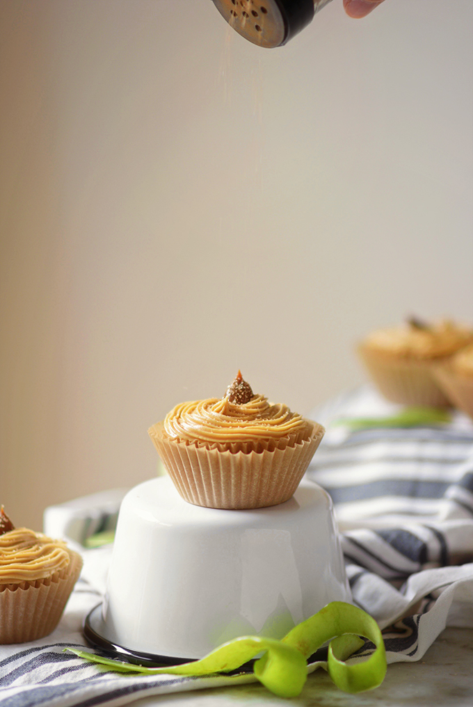 Topping Cupcakes with Cinnamon