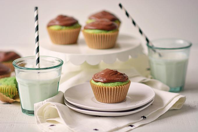 Semi-Homemade Mint Chocolate Chip Cupcakes