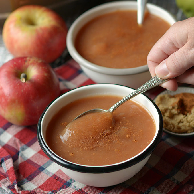 Cinnamon Brown Sugar Slow Cooker Apple Sauce