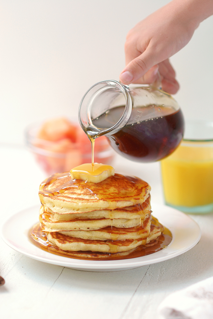 classic-fluffy-buttermilk-pancakes