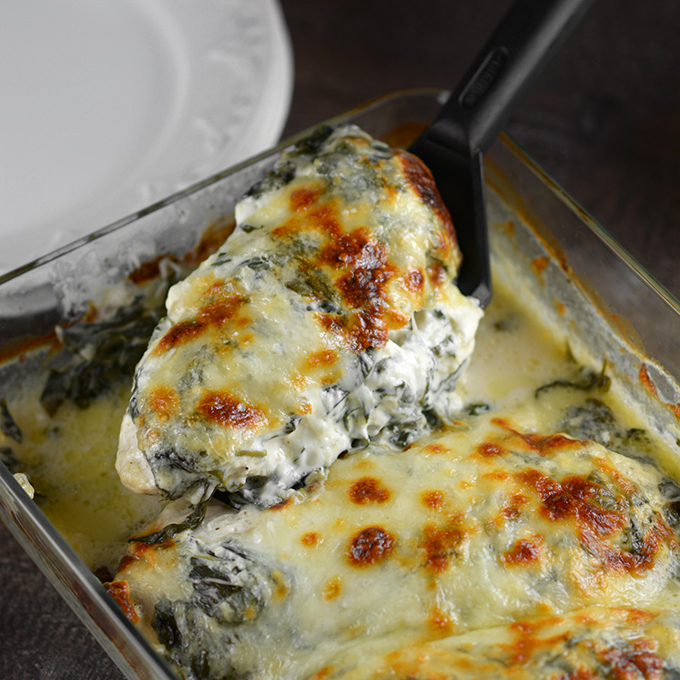 Creamy Mozzarella and Spinach Baked Chicken